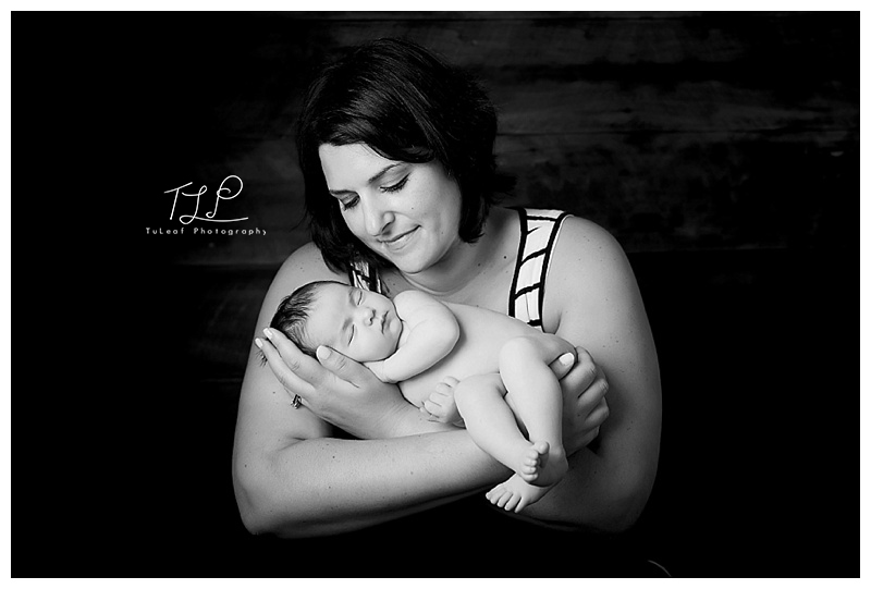 newborn photographer albany baby and mommy