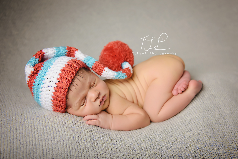 albany newborn photo sleepy boy in elf hat