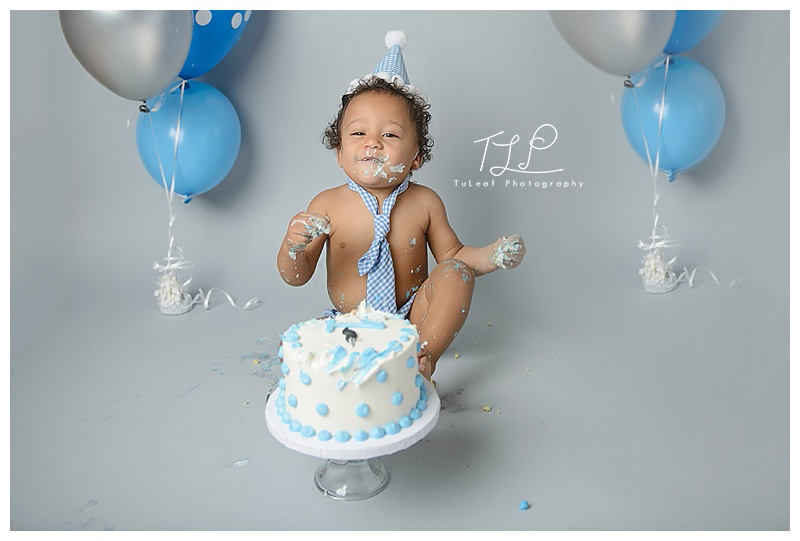 cake smash photo baby boy