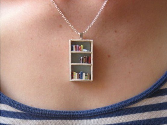 joyousgard: bookshelf necklace