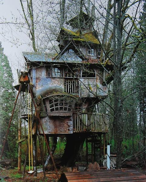 bethelie: Love! Kinda looks like a haunted house…