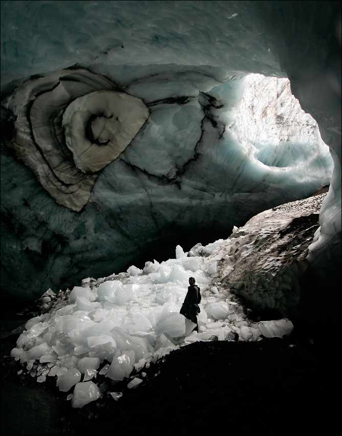 clavicola: An ice cave in Iceland, photo by Maxim Popov.