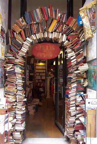 iheartclassics: mimuller: Portal de livros… (via prettyserendipities)