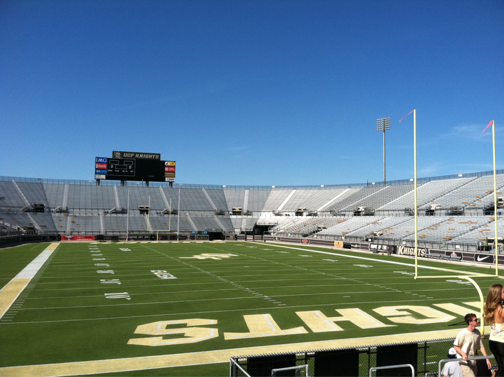 ohyeahucf: mylif3iskindaboring You ready:) GO KNIGHTS!