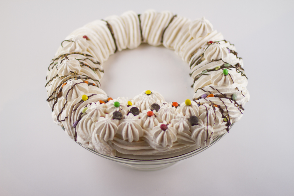 MERINGUE WREATH