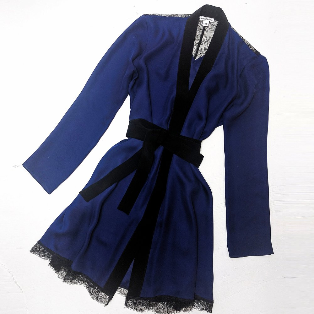 iris robe flat.jpg