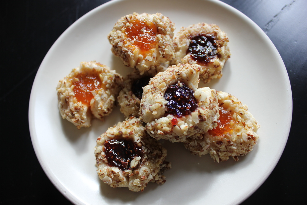 Jam Thumbprints rolled in nuts with homemade apricot and raspberry jam - Fancy Casual www.fancycasual.com