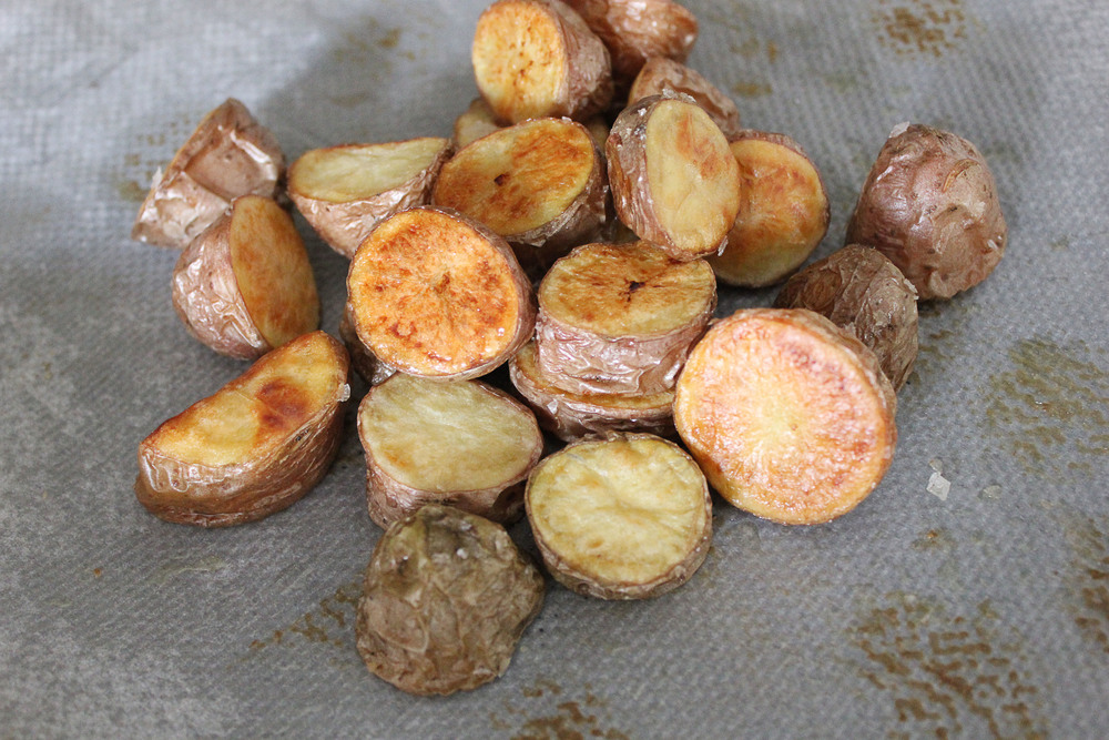 Parisian Dinner: Roasted red potatoes - www.fancycasual.com
