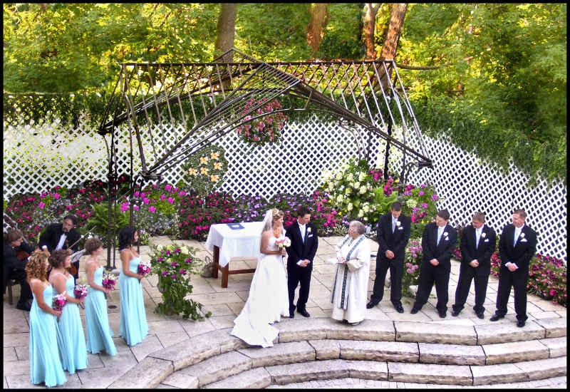 10 beautiful outdoor wedding venues in the gta oudalova for Beautiful gardens to get married in