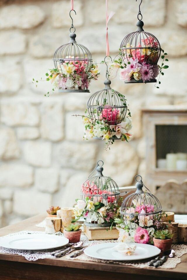 http://boda-a-la-vista.blogs.elle.es/2015/04/08/bodas-de-primavera-romanticismo-a-flor-de-piel/