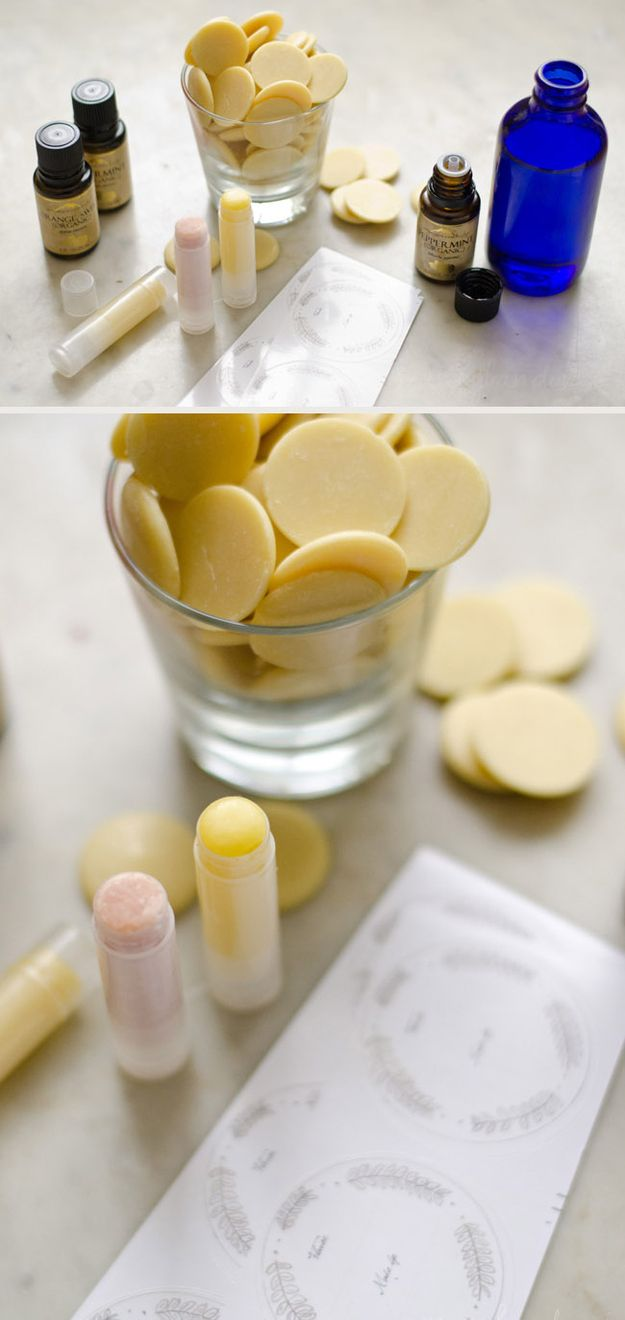 http://www.buzzfeed.com/peggy/useful-wedding-favors-your-guests-will-actually-want?sub=2098606_999286#.kwGzZ76aj