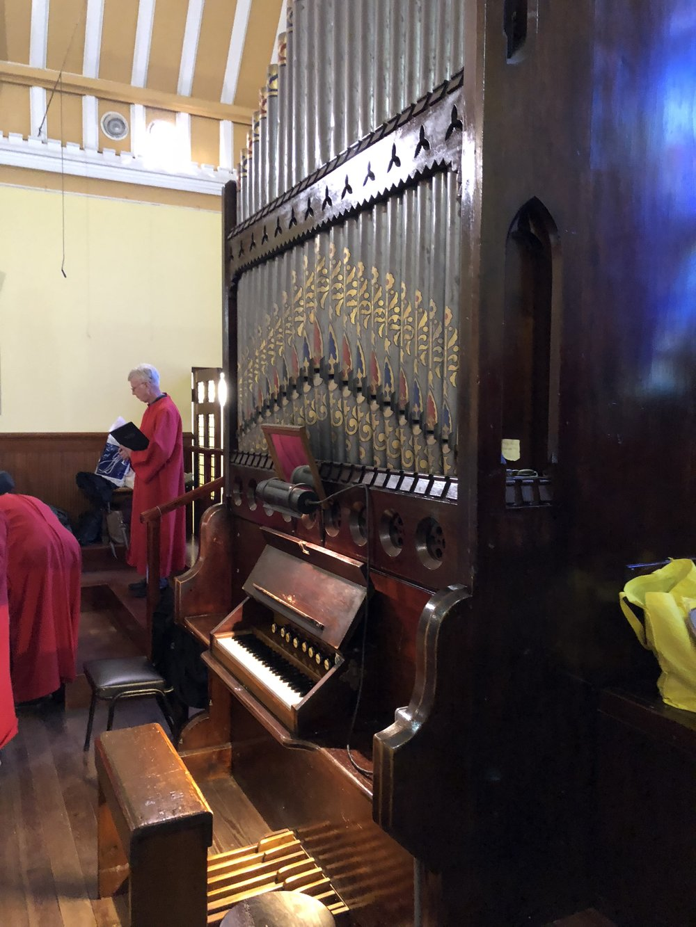 The tiny pipe organ