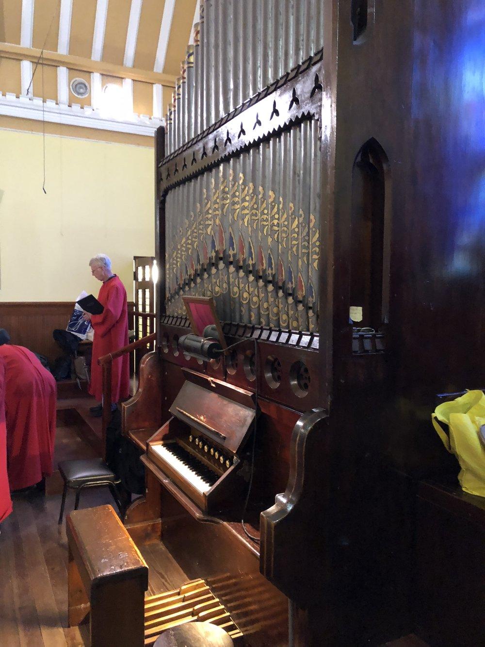 The tiny pipe organ