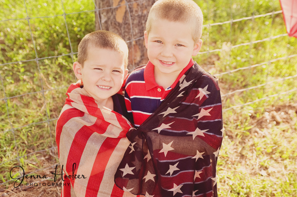 I love this American flag scarf, perfect for the photos.