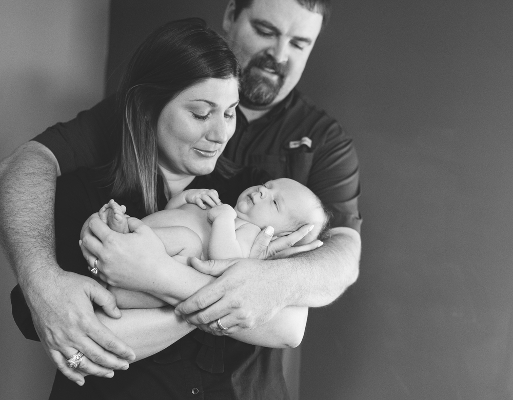 newborn family photos posing idea
