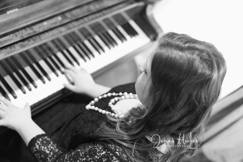 piano senior portraits