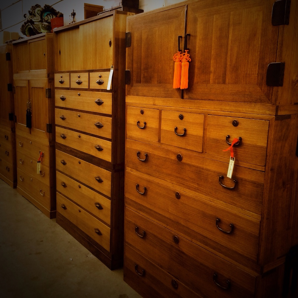Pictured above are vintage kimono tansu from the 1920's and 1930's most with original hardware.