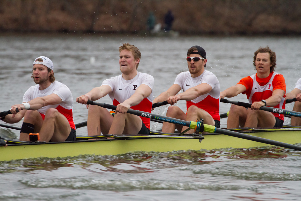 Heavyweight 1V races Georgetown, Syracuse