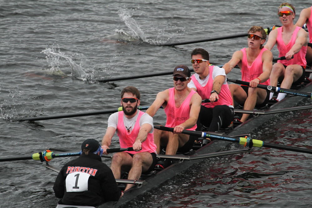 The lightweight men's 1v retains their #1 spot in the lightweight men's 8+