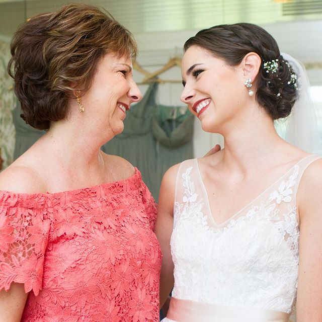 This photo of the bride and her mom makes me so happy every time I look at it. Two amazing women!  #wedding #weddingphotography #weddingphotographer #weddingday #weddinginspiration #motherofthebride #canonphotography #canon #portrait