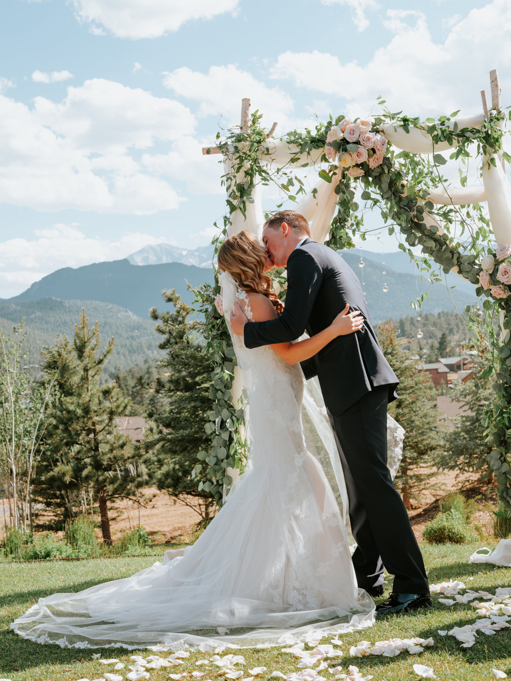 StolenGlimpses_ColoradoWeddingPhotographers_11.jpg