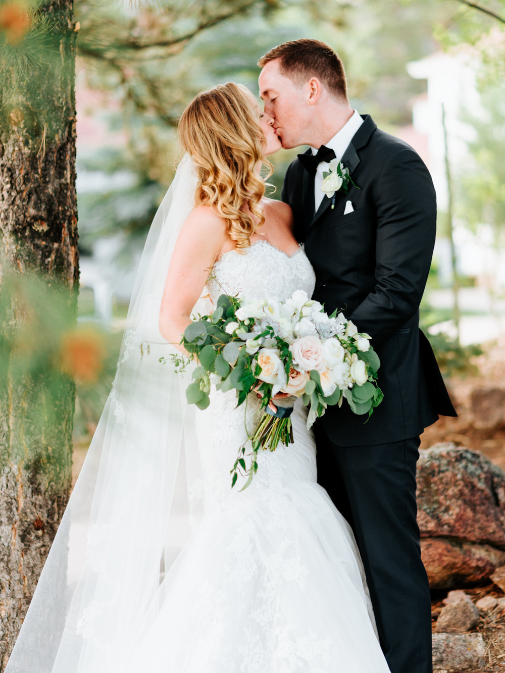 StolenGlimpses_ColoradoWeddingPhotographers_21.jpg