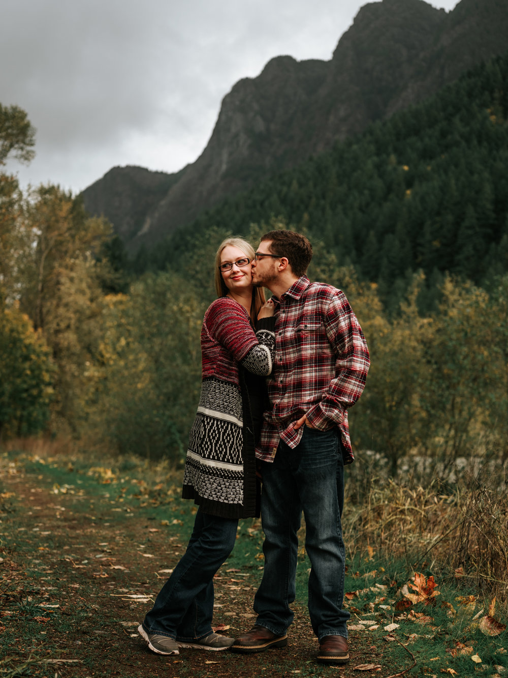 StolenGlimpses_NorthBendEngagementSession_2.jpg