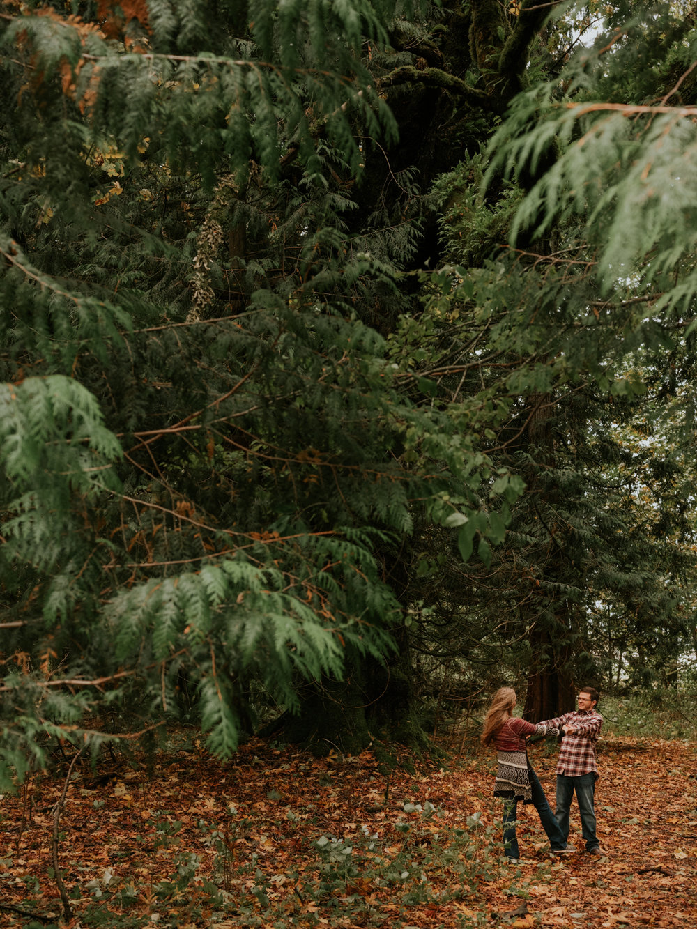 StolenGlimpses_NorthBendEngagementSession_12.jpg