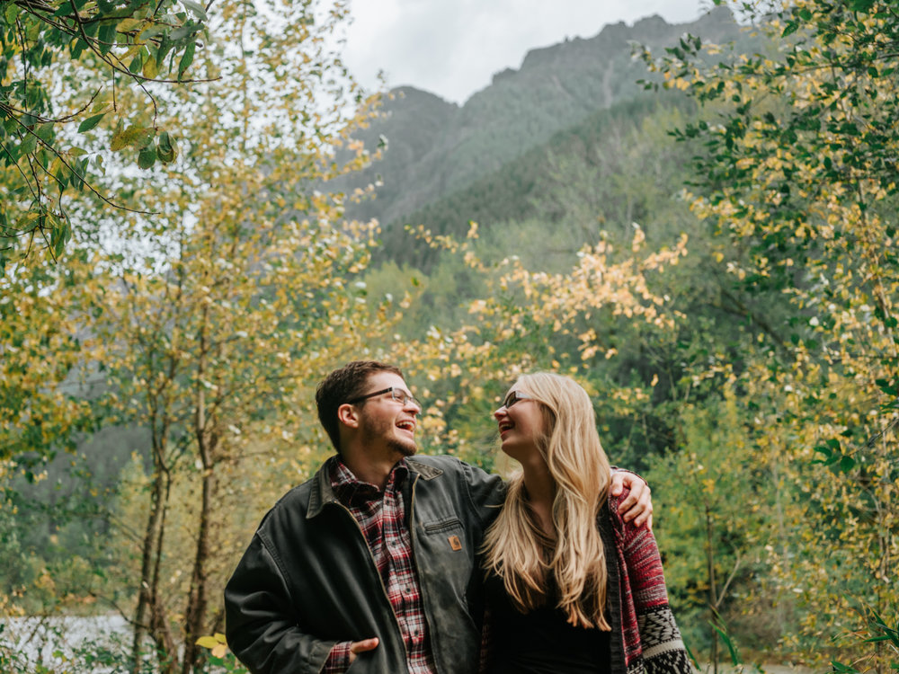 StolenGlimpses_NorthBendEngagementSession_34.jpg