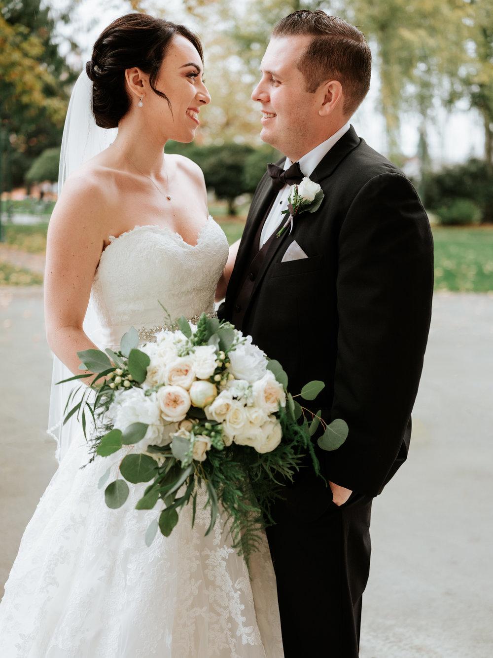 Stolen Glimpses Seattle Wedding Photographers 27.jpg