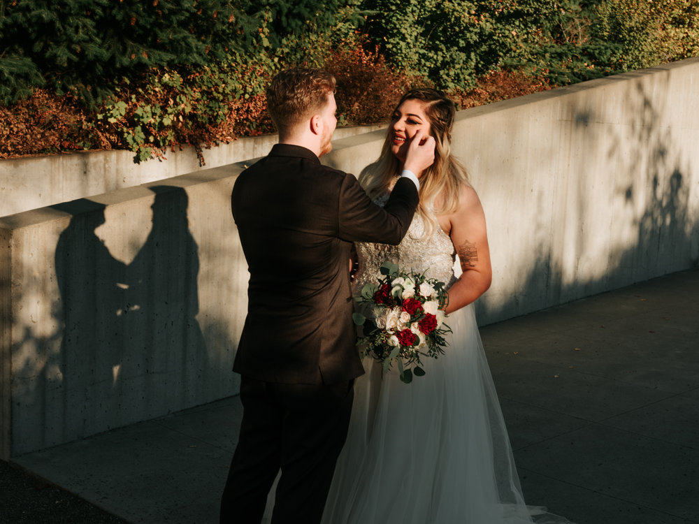 Stolen Glimpses Seattle Wedding Photographers 16.jpg