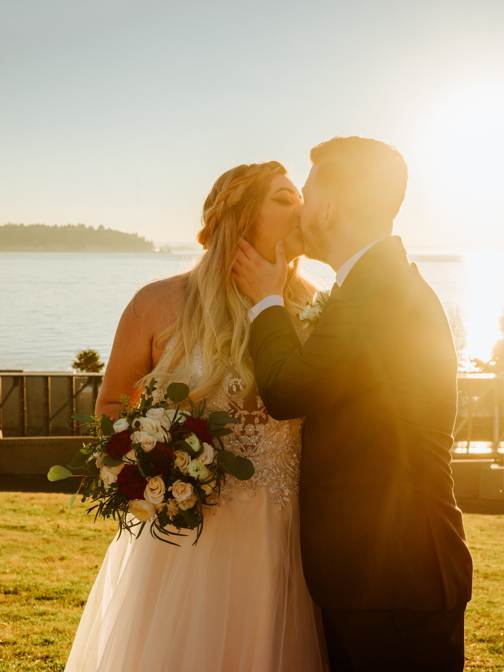 Stolen Glimpses Seattle Wedding Photographers 44.jpg