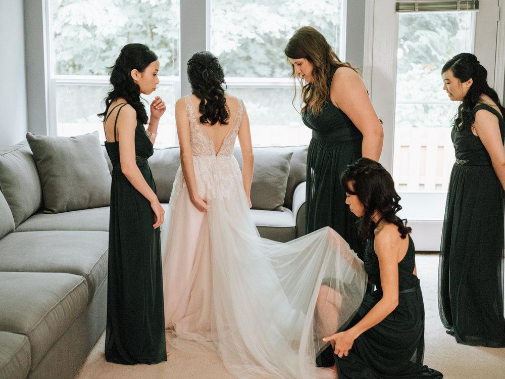 Stolen Glimpses Seattle Wedding Photographer Sodo Park Wedding 9.jpg