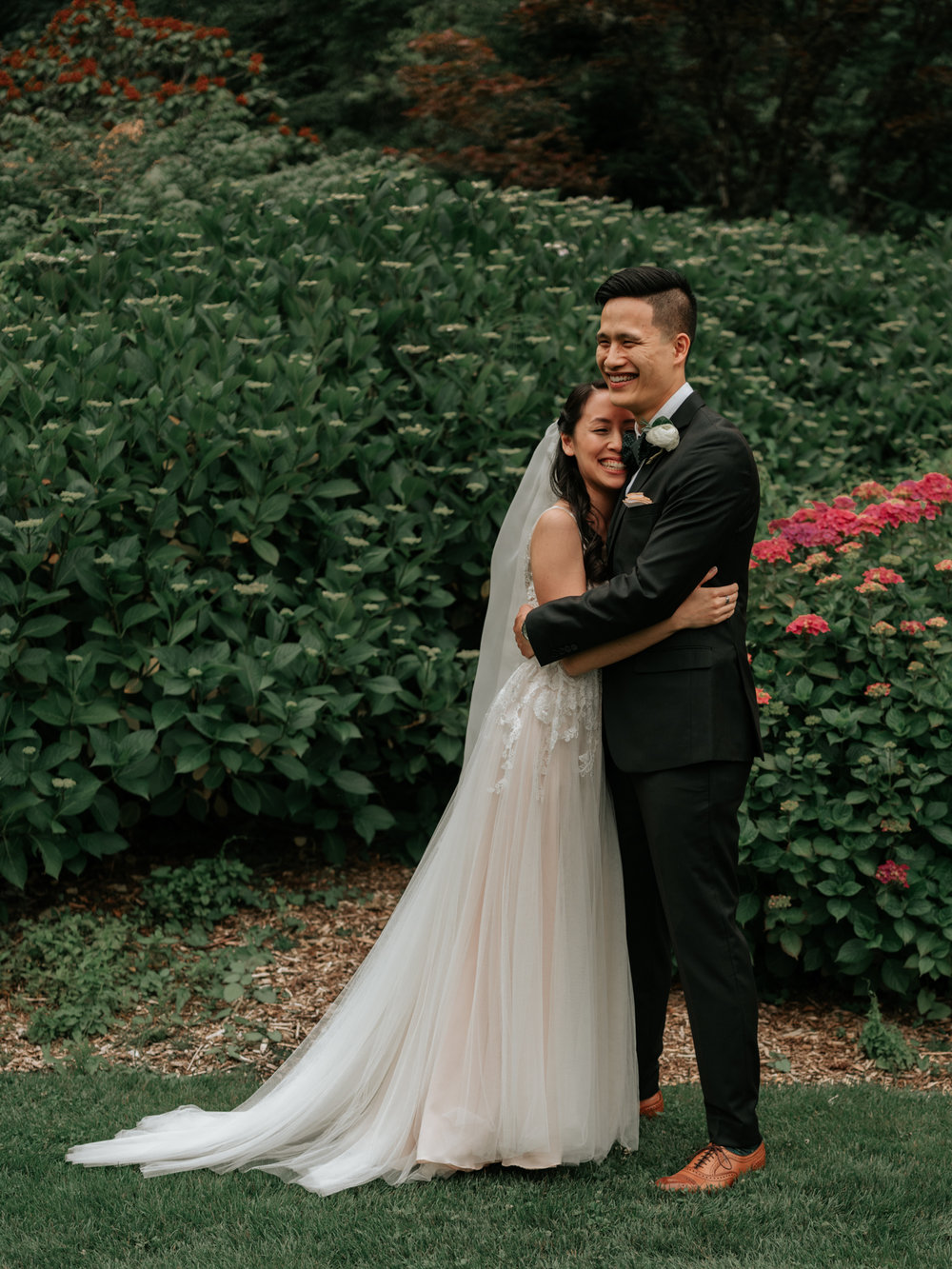Stolen Glimpses Seattle Wedding Photographer Sodo Park Wedding 34.jpg