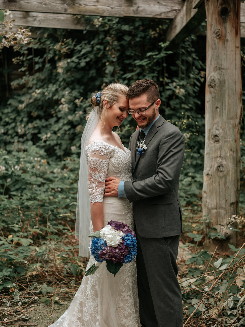 Stolen Glimpses Seattle Wedding Photographer Fall City Wedding48.jpg