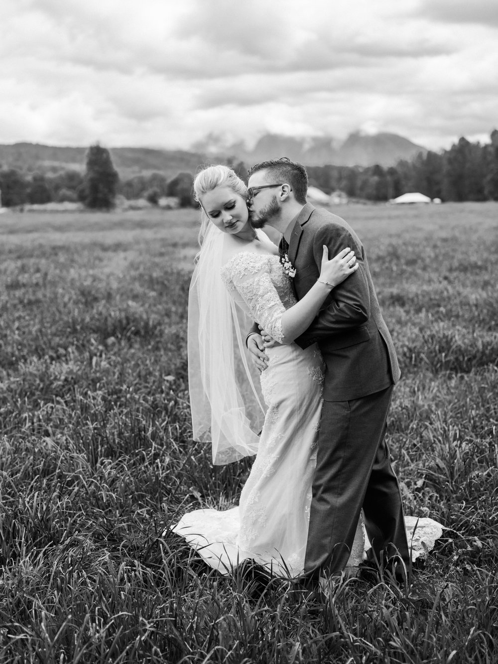 Stolen Glimpses Seattle Wedding Photographer Fall City Wedding59.jpg