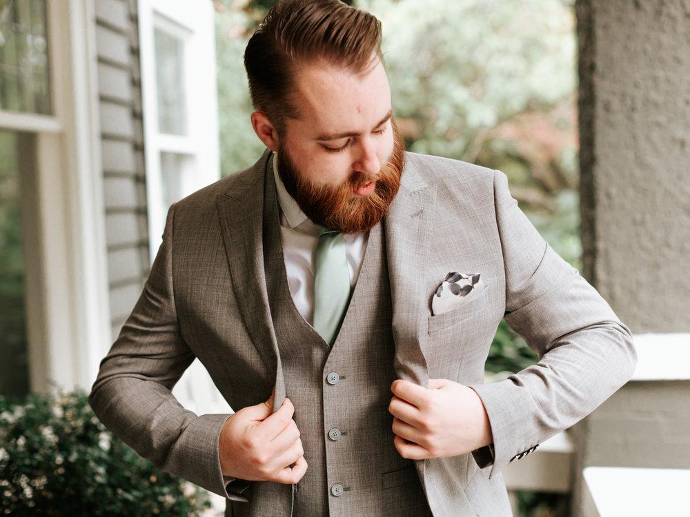 Stolen Glimpses Seattle Wedding Photographer Hidden Meadows Wedding 14.jpg