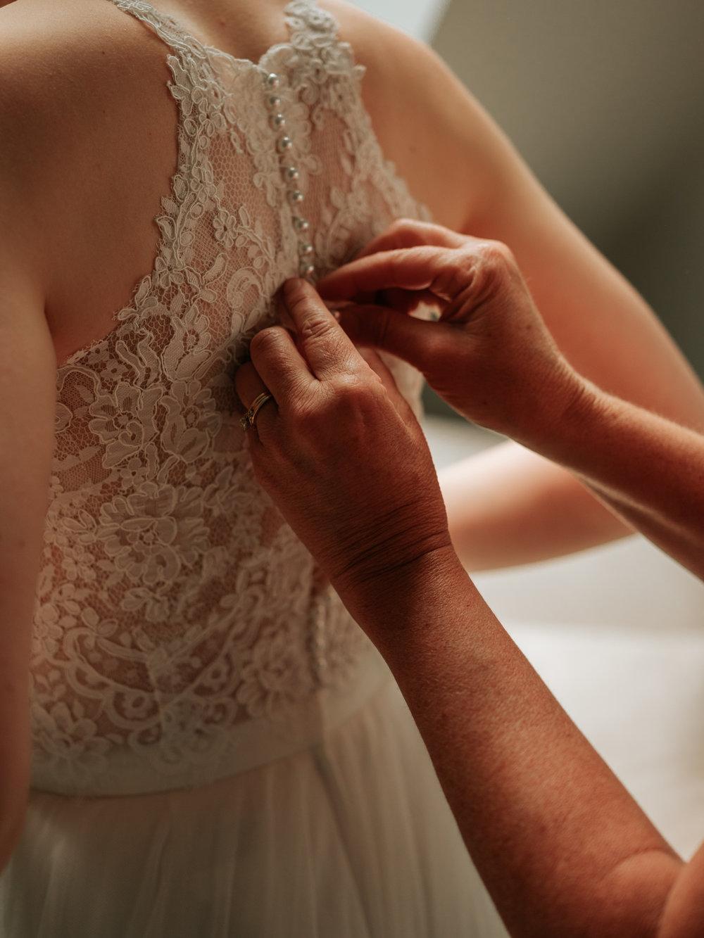 Stolen Glimpses Seattle Wedding Photographer Hidden Meadows Wedding 19.jpg