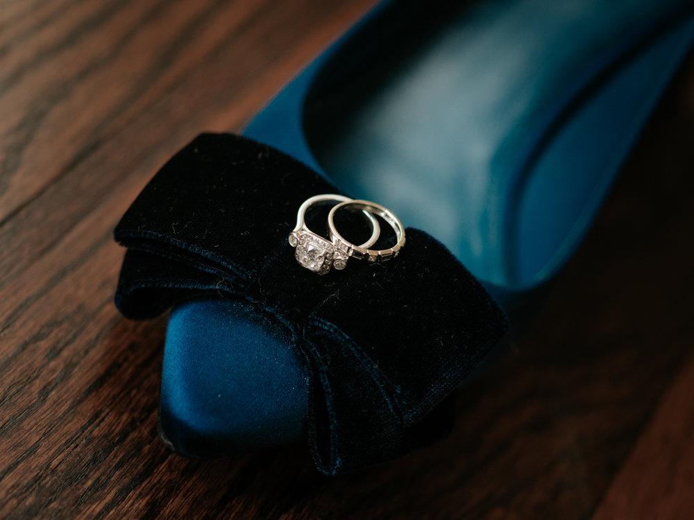 Stolen Glimpses Seattle Wedding Photographer 4.jpg