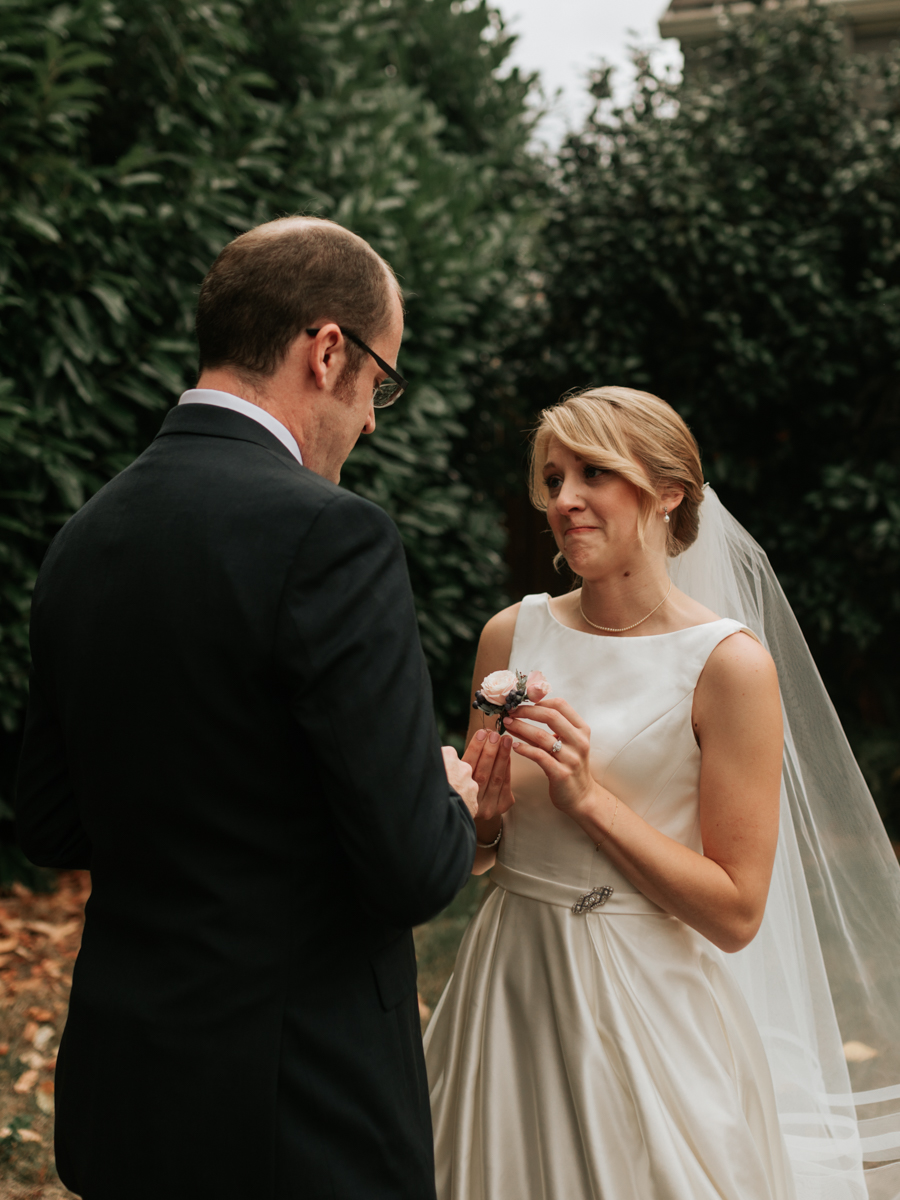 Stolen Glimpses Seattle Wedding Photographer 17.jpg