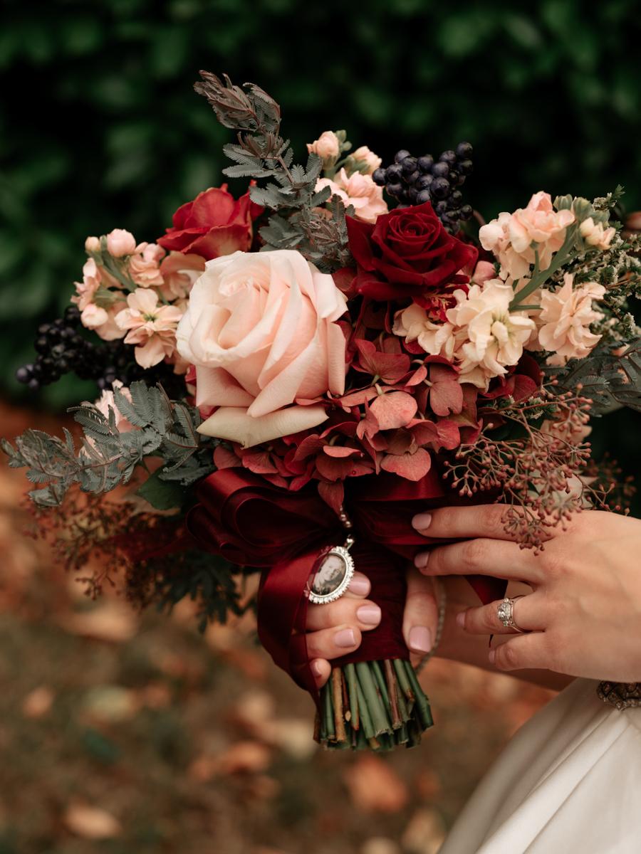 Stolen Glimpses Seattle Wedding Photographer 27.jpg