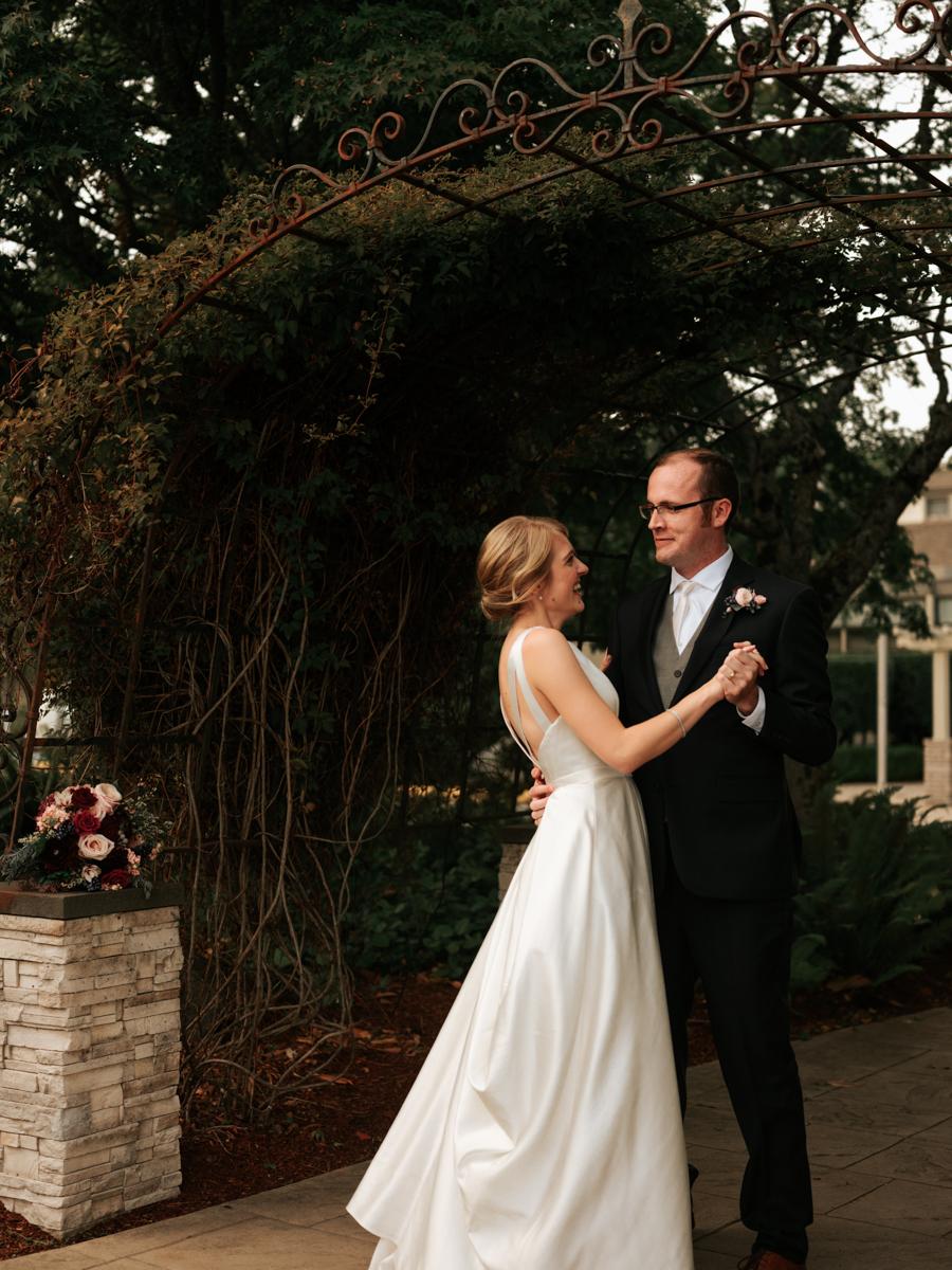 Stolen Glimpses Seattle Wedding Photographer 88.jpg