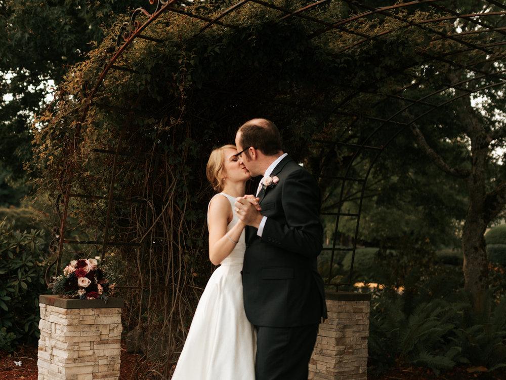 Stolen Glimpses Seattle Wedding Photographer 89.jpg