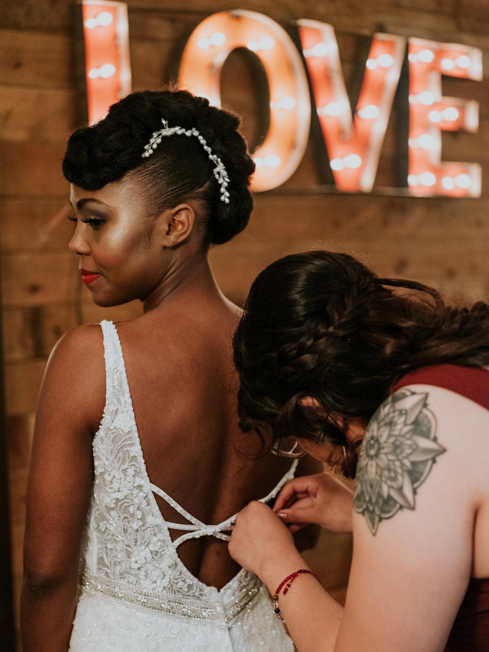 Stolen Glimpses Seattle Wedding Photographer at Rein Fire Ranch 4.jpg