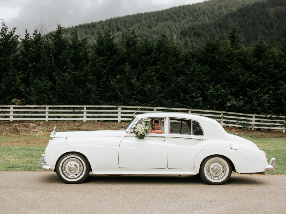 Stolen Glimpses Seattle Wedding Photographer at Rein Fire Ranch 9.jpg