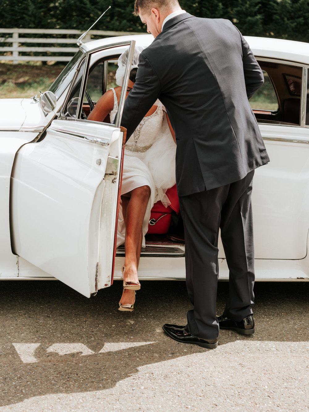 Stolen Glimpses Seattle Wedding Photographer at Rein Fire Ranch 12.jpg