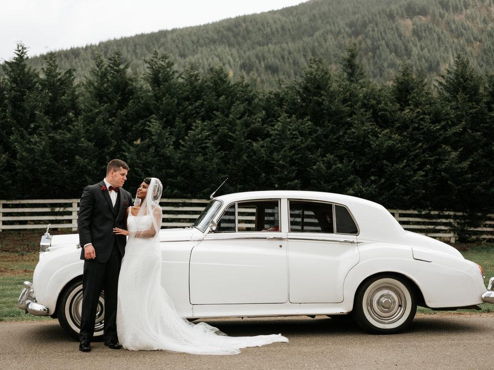 Stolen Glimpses Seattle Wedding Photographer at Rein Fire Ranch 13.jpg