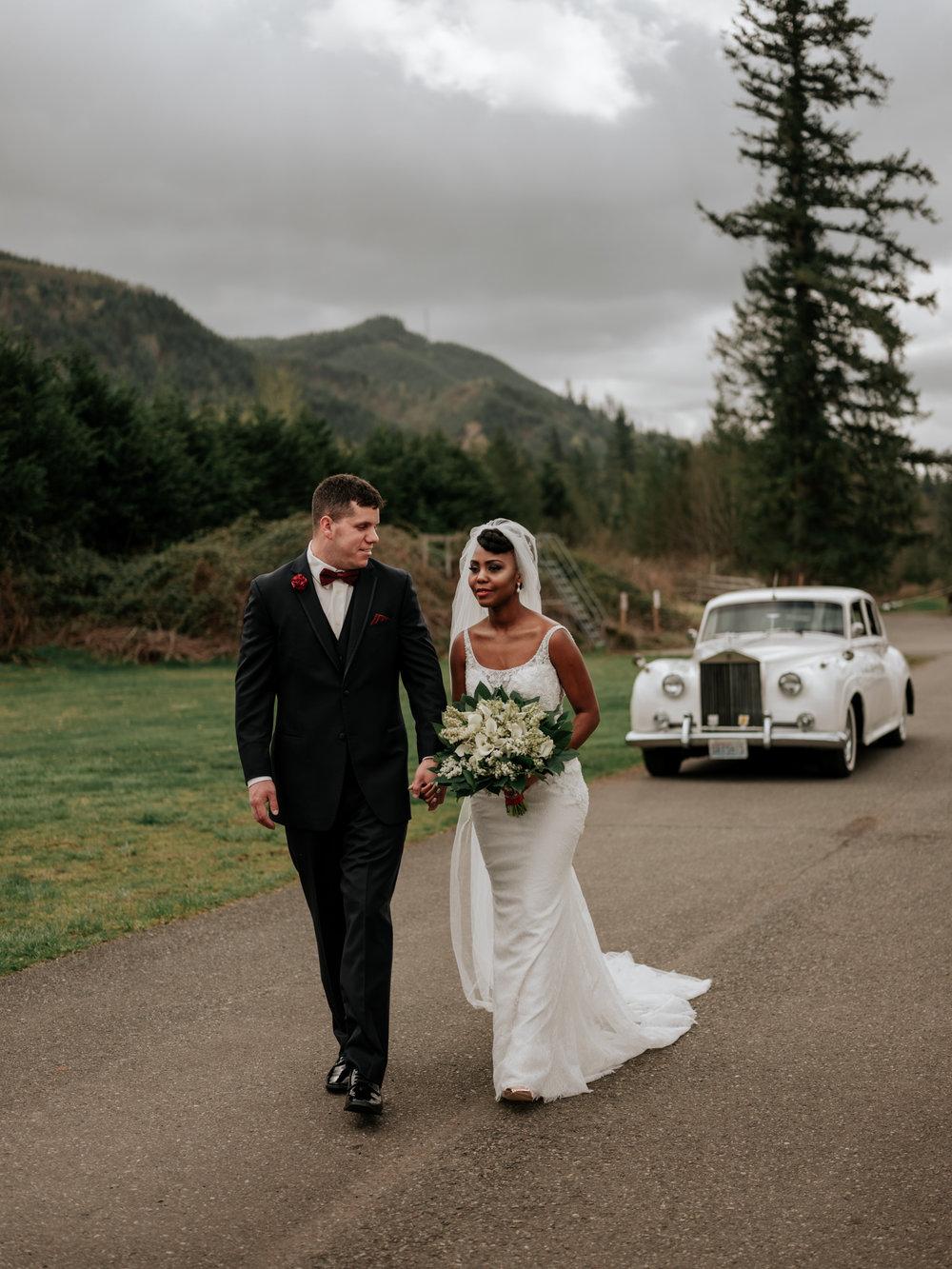 Stolen Glimpses Seattle Wedding Photographer at Rein Fire Ranch 17.jpg