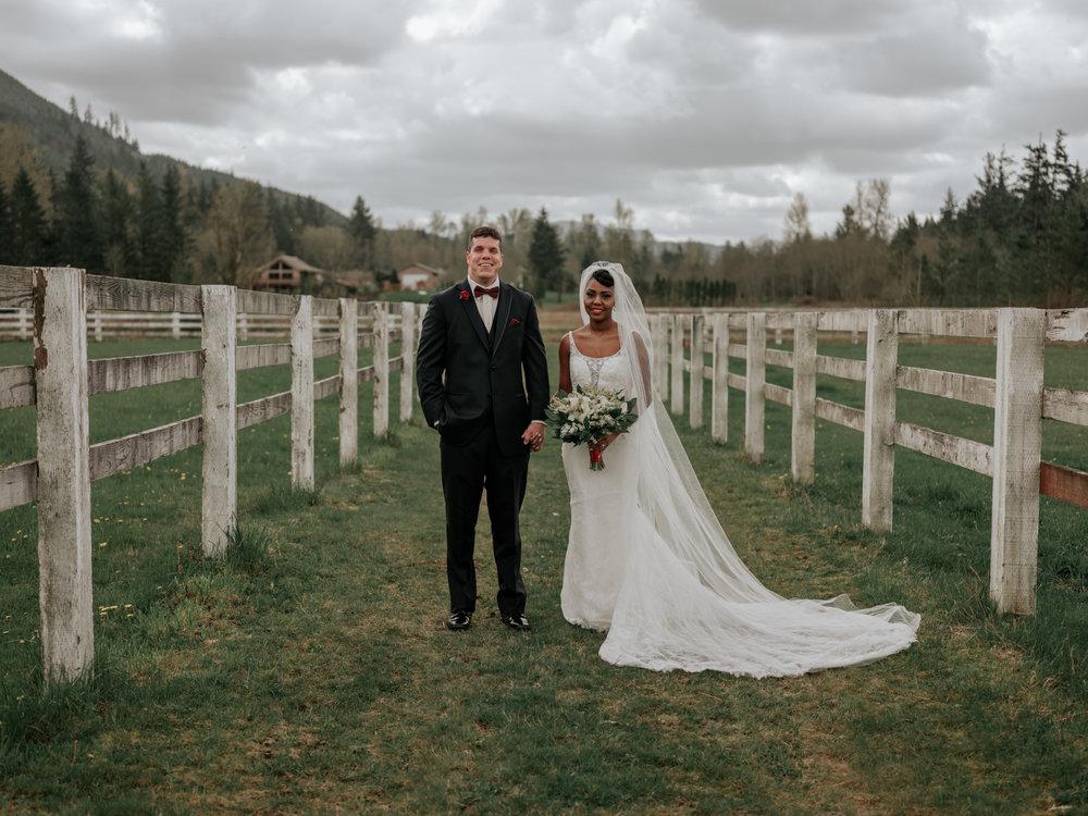 Stolen Glimpses Seattle Wedding Photographer at Rein Fire Ranch 19.jpg