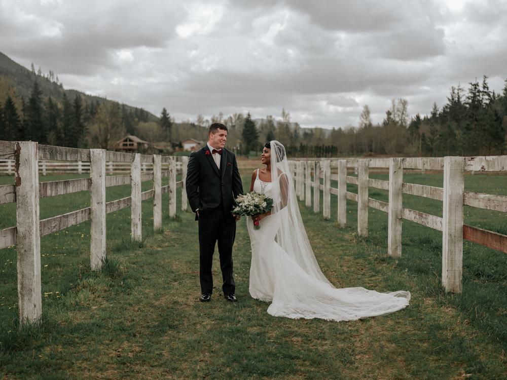 Stolen Glimpses Seattle Wedding Photographer at Rein Fire Ranch 20.jpg